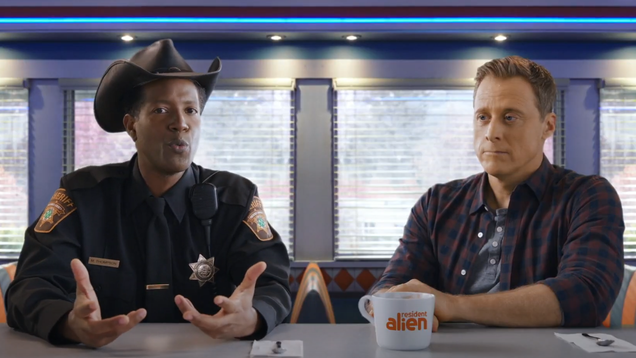 This Resident Alien Promo Is Just Alan Tudyk Riffing on How Weird Food Is