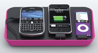 Illustration for article titled Bluelounge's Refresh Station Charges Four Devices At Once, Is Pretty In Pink