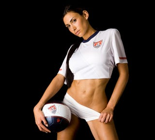 Illustration for article titled New USA Kit Looks Good On A Pretty Lady