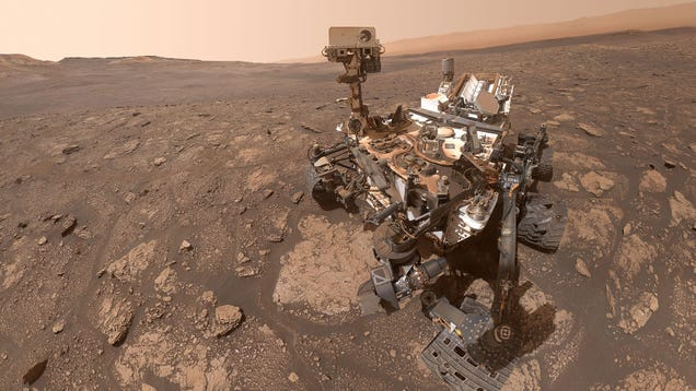 A Very Dusty Curiosity Rover Snaps a Selfie During a Work Break