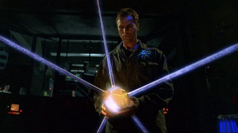 Illustration for article titled Stargate: SG-1 Rewatch - Season 2, Episode 7Message In A Bottleand Episode 8Family