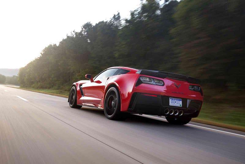 Illustration for article titled The new 2015 Chevrolet Corvette Z06 is having power loss issues