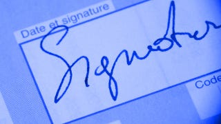 Illustration for article titled What's the Best Way to to Sign Documents Electronically (Without Scanning Them)?