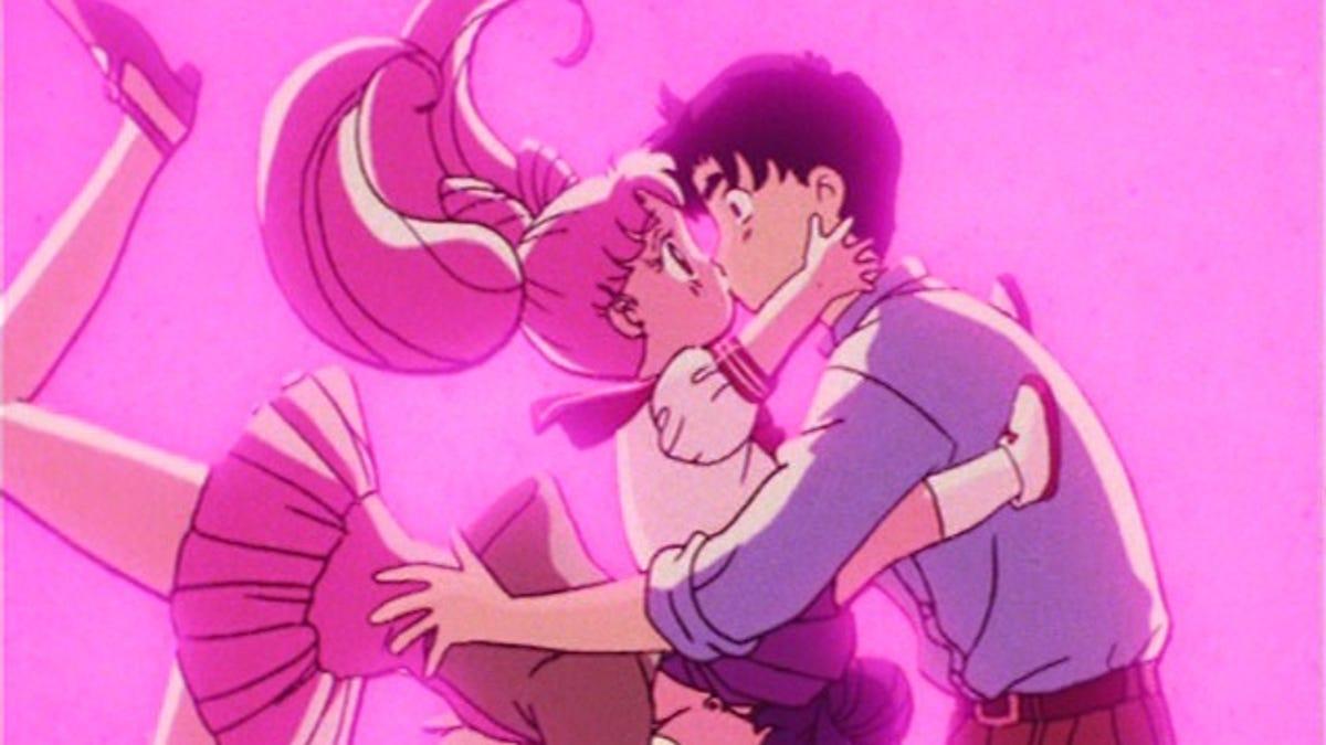 10 Reasons Why Everyone But Sailor Moon Knows Tuxedo Mask Sucks