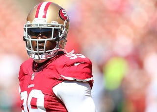 Illustration for article titled Aldon Smith Has Given Up Nearly All Of His Guaranteed Money