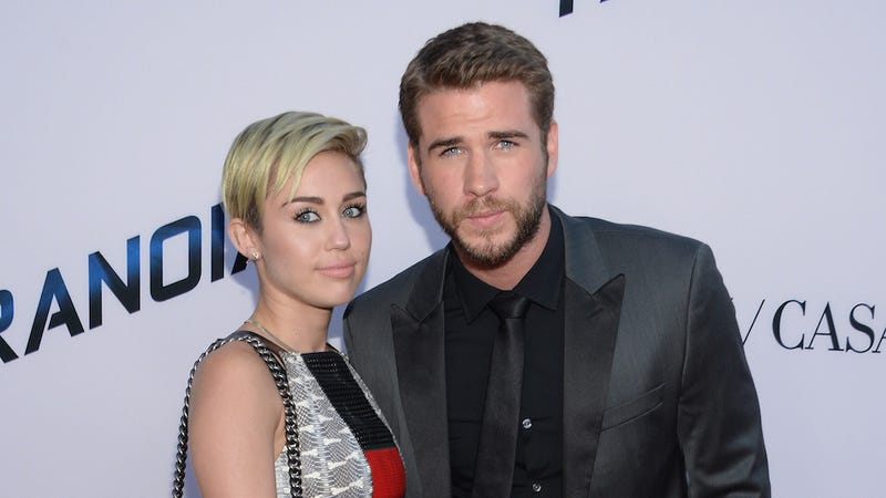 Illustration for article titled Miley Cyrus and Liam Hemsworth Are But Heartbeats Away From (Emotionally) Smashing Again