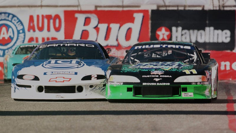 This is what NASCAR should look like. But with stock chassis. This is 1990s Trans Am here.