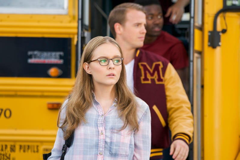 A flashback-heavy Supergirl heads back to Riverdale… er, Midvale