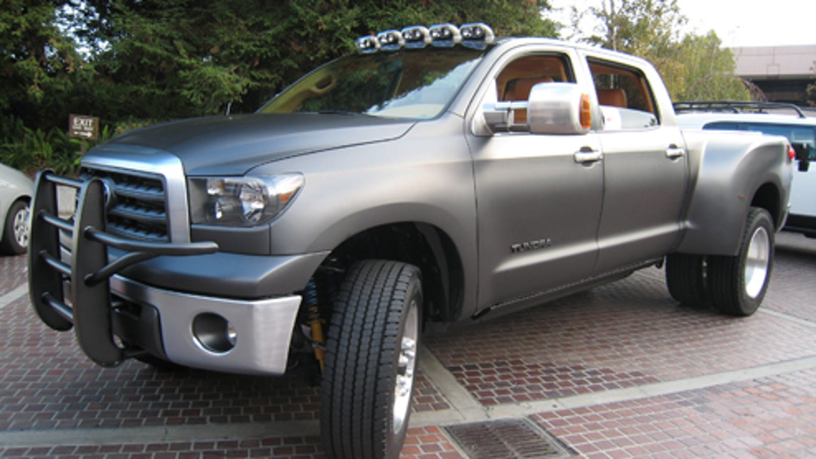 Toyota Diesel Tundra >> Toyota Tundra Dually Returns To Sema With Monster Diesel Mill