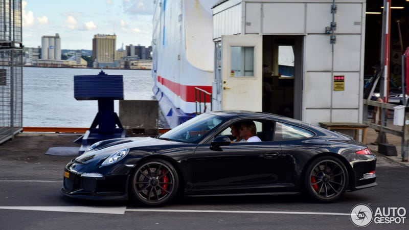 Illustration for article titled Ultimate Modesty: A Fin Deleted His 991 GT3 Wing