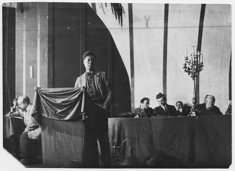 Claude McKay addressing the 4th Congress of the Comintern in the Throne Room of the Kremlin, Moscow, 1922 (Yale Collection of American Literature, Beinecke Rare Book and Manuscript Library)