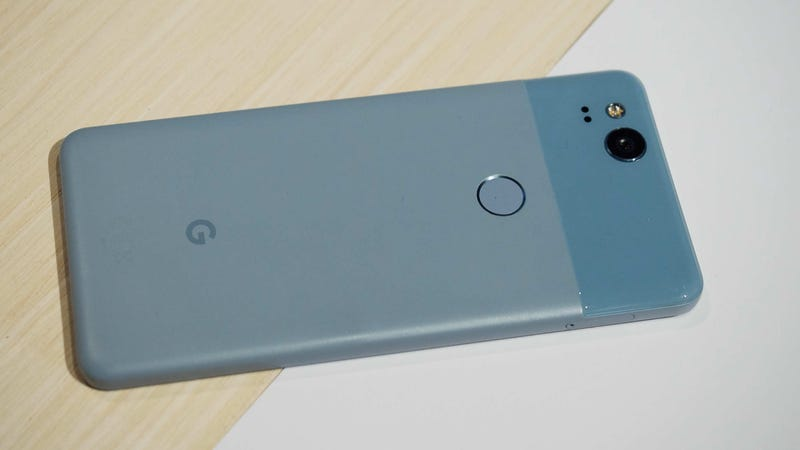 Illustration for article titled If This Leak Is Legit, the Pixel 3 XL Will Be Google's Ugliest Phone Yet