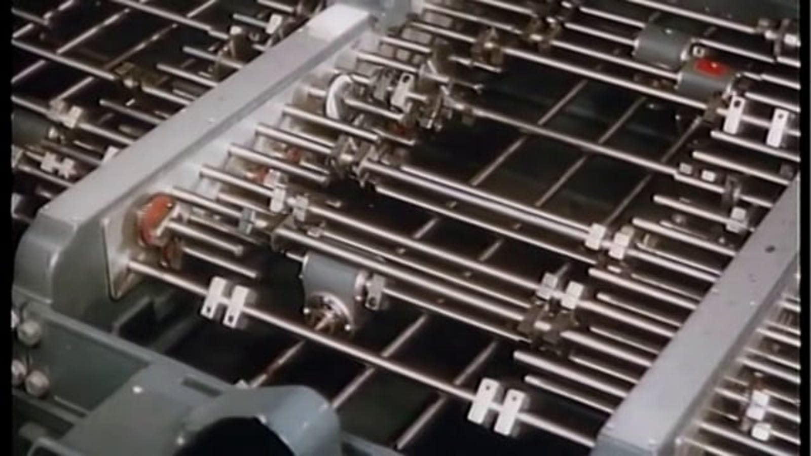 UCLA's 1948 Mechanical Computer Was Simply Gorgeous To Watch in Action