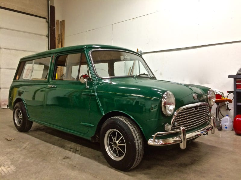 Illustration for article titled Driving This Tiny 1967 Mini Wagon Required Me To Be Fearless