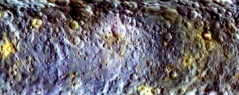 Illustration for article titled Nuevos mapas a color de Ceres amplían los misterios del planeta enano