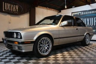 Illustration for article titled 1989 BMW 325i Takes Vitamin E36, Costs $16,995!