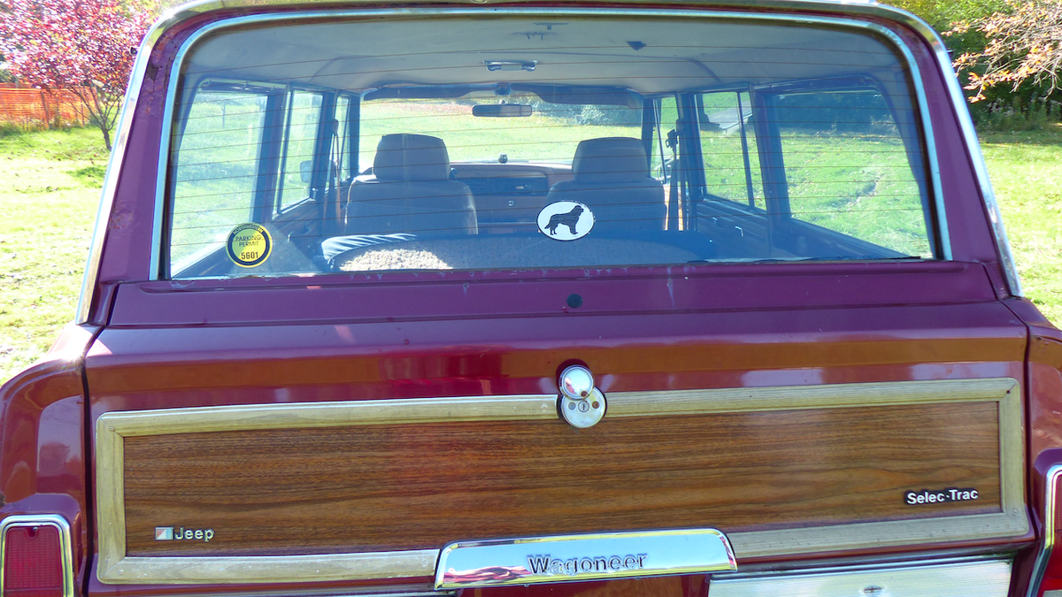 Here's Everything Wrong With My $800 Jeep Grand Wagoneer Off-Road