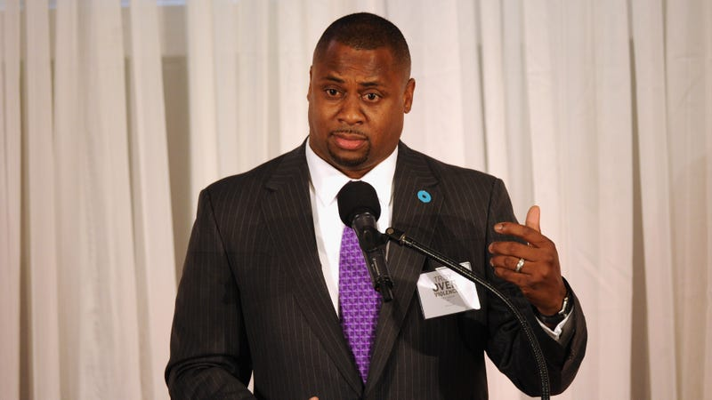 NFL Executive Vice President of Football Operations Troy Vincent speaks at the Peace Over Violence Humanitarian Awards on Oct. 16, 2015, in Los Angeles. (Dave Mangels/Getty Images)