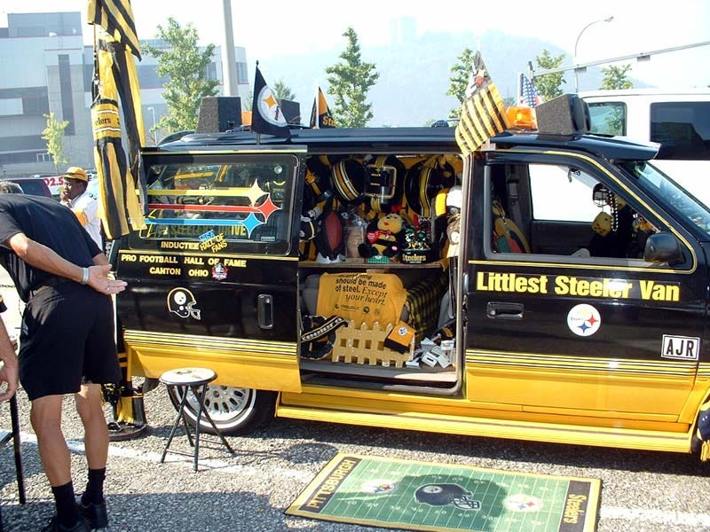 Illustration for article titled Cops Using Steelers Van As Bait