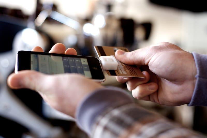 Illustration for article titled PayPal se adelanta a Square con los pagos en el móvil en Europa