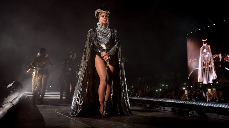 Illustration for article titled Beyoncé benevolently dropped a surprise live album with her Netflix documentary, Homecoming