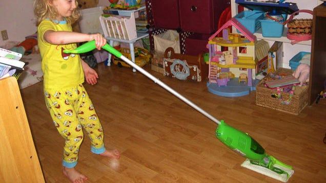 Clean Your Bedroom In 10 Minutes