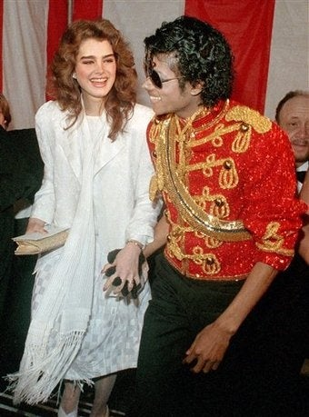 Illustration for article titled Michael Proposed To Brooke Shields; Reese Explains Her Black Eye