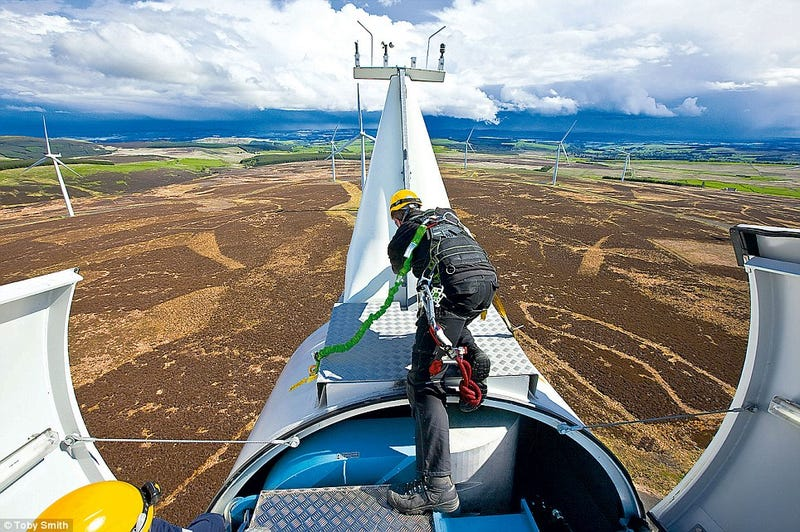 Illustration for article titled Every Day is a Fairground Ride for Wind Turbine Engineers