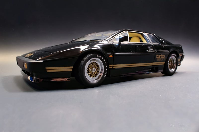 authorized site offer discounts 100% quality AutoArt Lotus Esprit Turbo in 1:18 Scale