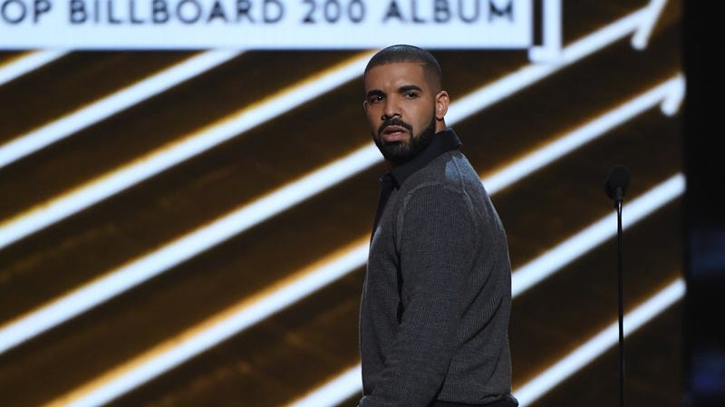 Illustration for article titled Drake Says Blackface Photo Was Meant to Draw Attention to How Black Actors Are Typecast