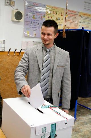 Illustration for article titled Érdemes volt kibuliznia a Fidesznek a megismételt választást Ózdon