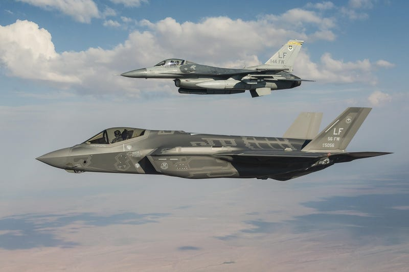 Illustration for article titled F-35s At Luke Air Force Base Grounded Indefinitely