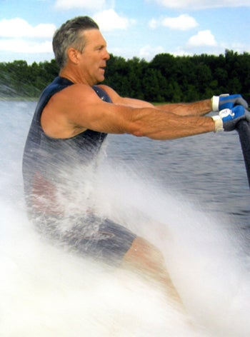 Illustration for article titled The Ron Zook Water Skiing Zapruder Film