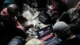 Illustration for article titled Blogging the Revolution
