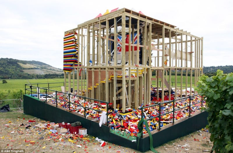 Illustration for article titled Lego House Demolished Gallery