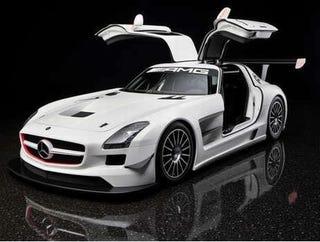 Illustration for article titled Mercedes SLS AMG GT3: Luxury Sports Car Transforms Into Bare-Bones Racer