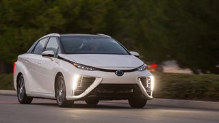 Toyota Mirai Goes 312 Miles Before Having To Hunt For A Hydrogen Station