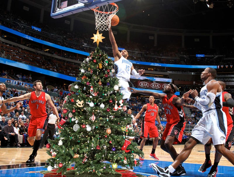 Illustration for article titled Raptors Bolster Front Court With 8-Foot-Tall Christmas Tree