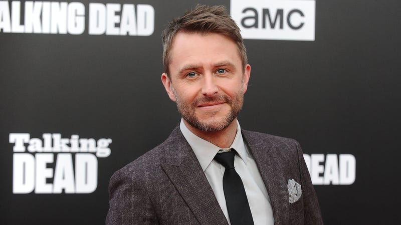 Illustration for article titled Chris Hardwick gets emotional upon Talking Dead return, fails to mention staffers who quit