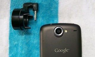 Illustration for article titled DIY Detachable Smartphone Macro Lens