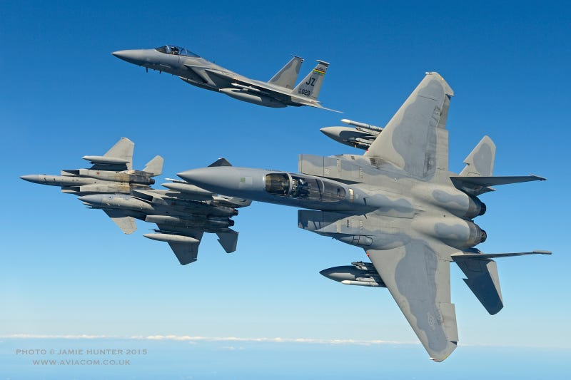 Illustration for article titled These Air-To-Air Shots Of The Bayou Militia's F-15 Eagles Are Gorgeous