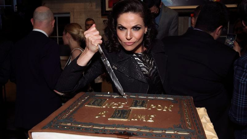 Lana Parilla channels Evil Queen Regina at Once Upon A Time's 100th episode party (Photo: ABC)