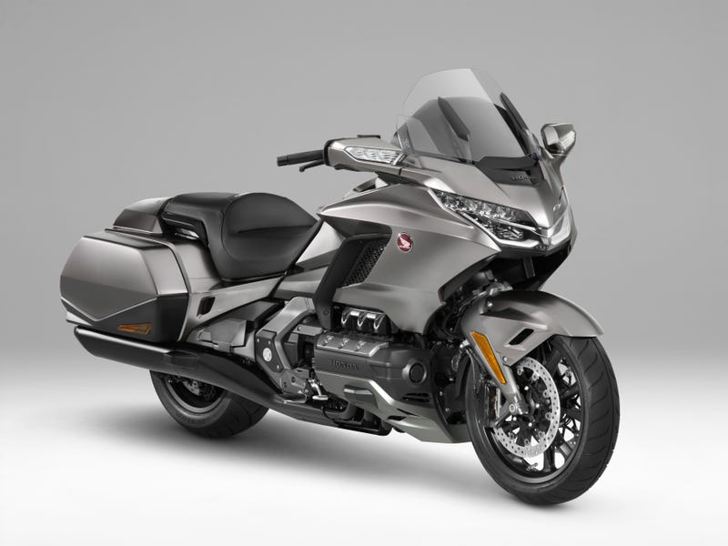 Outstanding The 2018 Honda Gold Wing Is Lighter And So High Tech It Has Squirreltailoven Fun Painted Chair Ideas Images Squirreltailovenorg