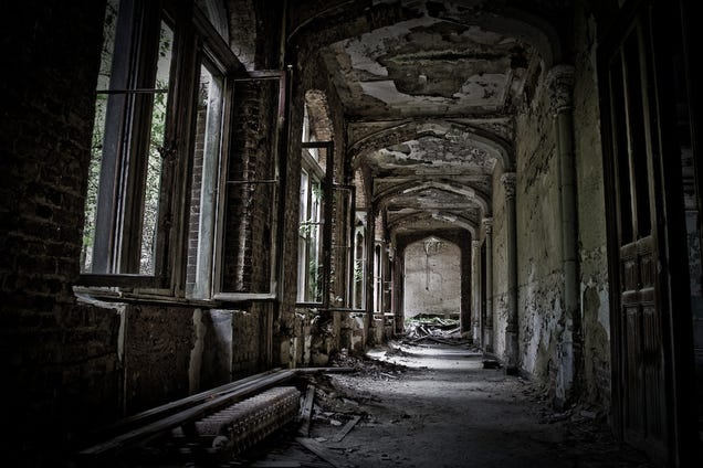 9 of the Most Fascinating Abandoned Mansions from Around ...