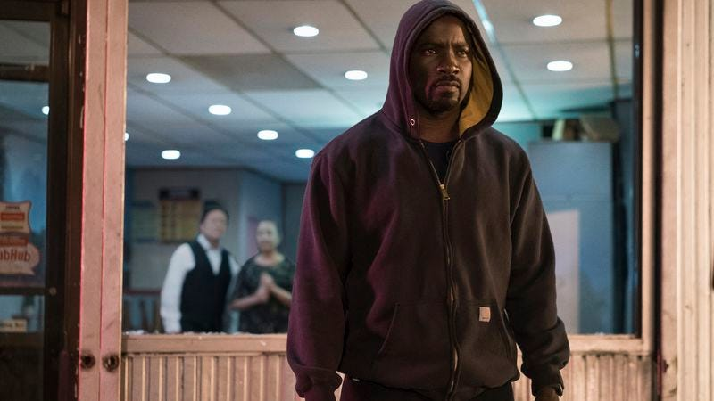 Mike Colter as Luke Cage wearing a dangerous item of clothing: A hoodie. (Photo: Myles Aronowitz/Netflix)