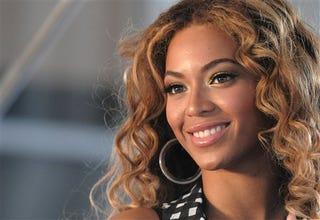 Illustration for article titled Beyoncé's Flush With Cash; Brüno's Cut & Changed