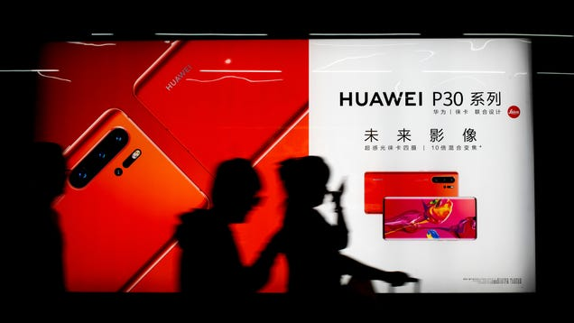 Report: Trump Expected to Sign Order That Could Bar US Firms From Buying Huawei Telecom Gear
