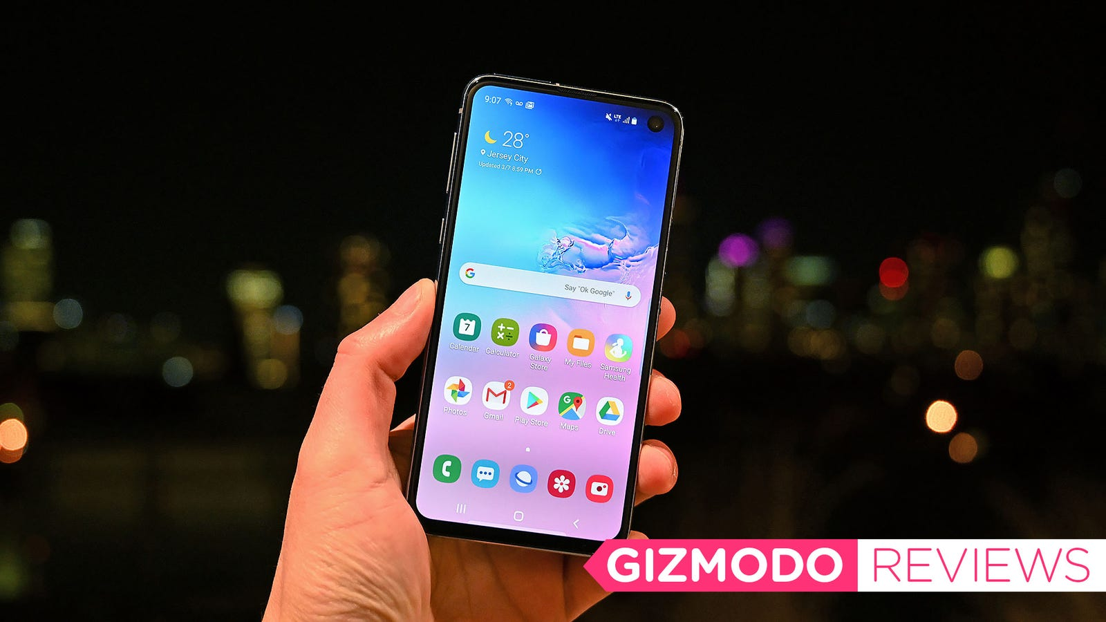 Samsung Galaxy S10e Review: The Best '