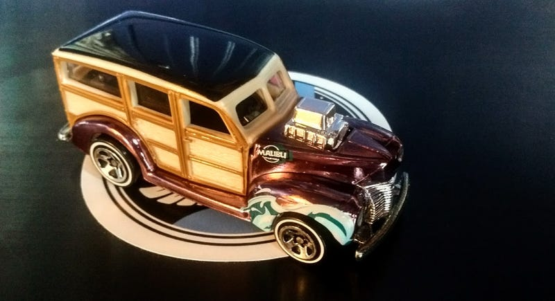 Illustration for article titled Wagon Wednesday - Hot Wheels Classics 1940's Woodie