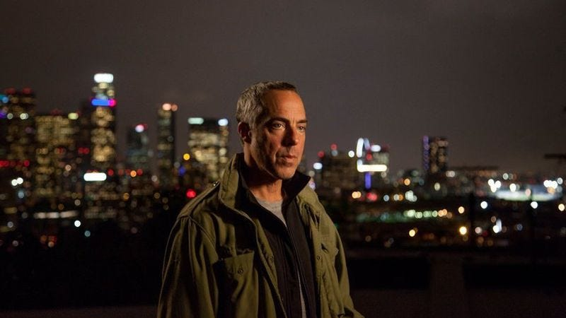 Illustration for article titled Titus Welliver on Beverly Hills, 90210, possessing the Cosmic Cube, and many, many comics